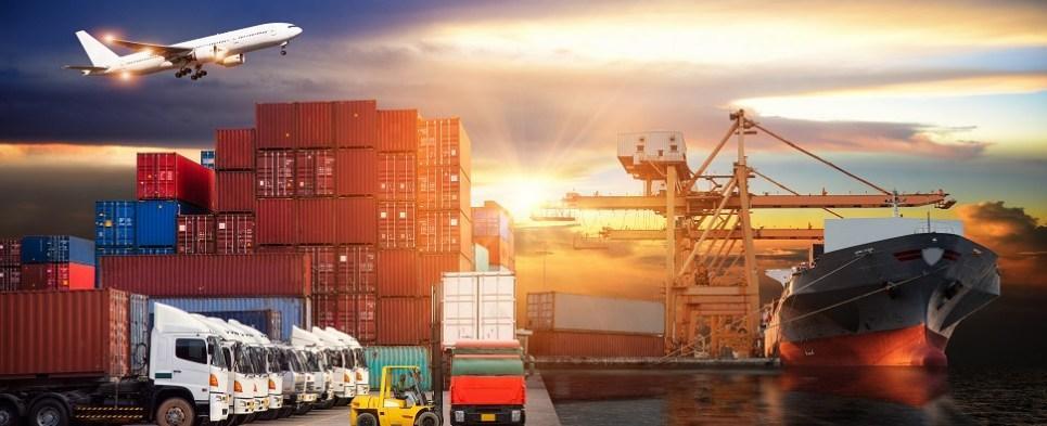 برای واردات از چین انواع مختلف روشهای حمل و نقل کالا از چین وجود دارد. انتخاب نوع حمل و نقل به ارزش کالا هم بستگی دارد. کالاهای با ارزش بالا بهتر است هوایی حمل شوند. دوره بازگشت سرمایه را کوتاهتر می کند. برای کالاهای سنگین و حجیم از روش دریایی استفاده کنید. این کار هزینه ها را کاهش خواهد داد.