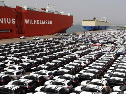 رئیس کل گمرک ایران در نشست خبری به مناسبت روز جهانی گمرک با بیان اینکه 5 هزار خودروی وارداتی در انتظار ترخیص از گمرک هستند گفت: فقط هزار دستگاه از این خودروها به گمرکات اظهار شدهاند که همچنان به دلیل پایان یافتن مهلت قانونی ترخیص نشدهاند.
