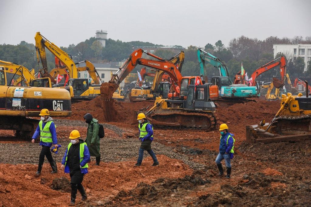چین در حال ساخت بیمارستان برای مقابله با شیوع این بیماری است. زمان اتمام پیش بینی شده برای احداث بیمارستان: 10 روز